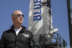 28 triệu USD cho tấm vé 'lên trời' 11 phút cùng Jeff Bezos