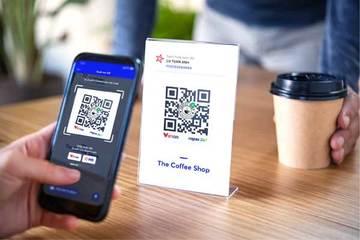 Ngân hàng đồng loạt cho khách hàng chuyển tiền nhanh và thanh toán bằng mã QR