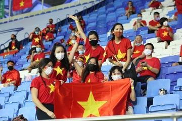 Xem bóng đá trực tuyến: Việt Nam gặp UAE, 23h45 ngày 15/6