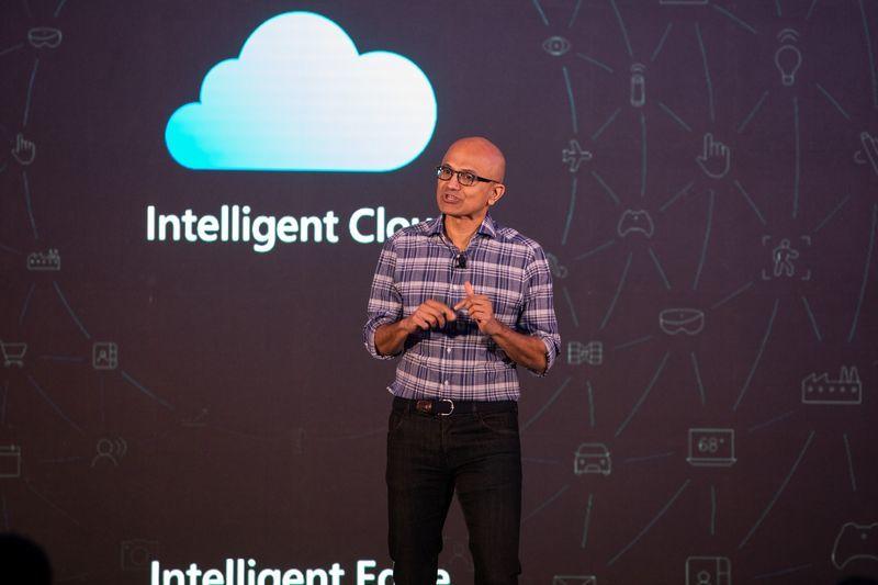 Microsoft gia nhập câu lạc bộ 2 nghìn tỷ USD cùng Apple