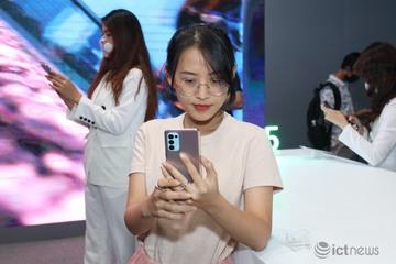 Những điện thoại bán chạy nhất tại Việt Nam có gì đặc biệt?