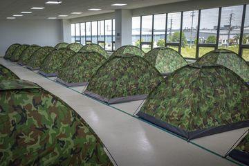 Bloomberg: Công nhân Việt Nam ngủ lại nhà máy tránh dịch Covid-19