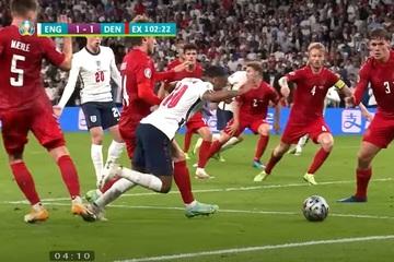 Bàn thắng quyết định của Anh trong trận bán kết được chứng thực bởi VAR