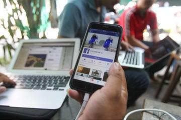 """Sẽ đưa thêm quy định mới để ngăn chặn tình trạng """"báo hóa mạng xã hội"""""""