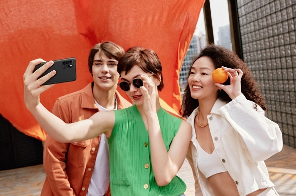 Thử đồ qua công nghệ thực tế ảo với 5G: Viễn cảnh tương lai của ngành thời trang thế giới