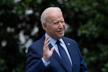 Tổng thống Mỹ Joe Biden: Facebook 'đang giết người' bằng tin giả vắc xin