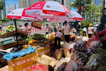 Ông chủ chuỗi di động đi bán rau, bán thịt đồng giá