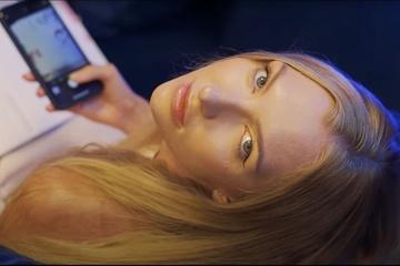 Cô gái Ba Lan bán tình yêu ảo với giá 250.000 USD