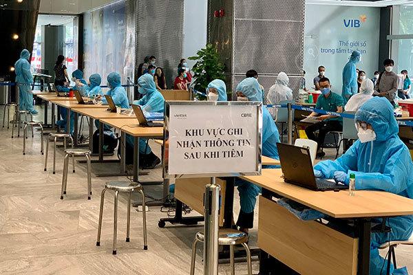 Viettel điều gấp 150 nhân sự hỗ trợ chiến dịch tiêm chủng Covid tại TP.HCM