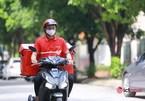 Bưu tá, nhân viên giao hàng của siêu thị tại Hà Nội vẫn được hoạt động