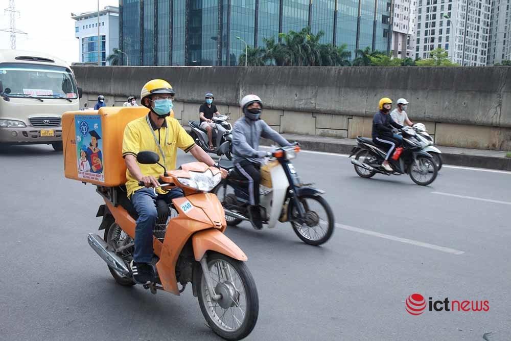 Hà Nội tạo điều kiện cho đội ngũ bưu tá Vietnam Post, Viettel Post hoạt động