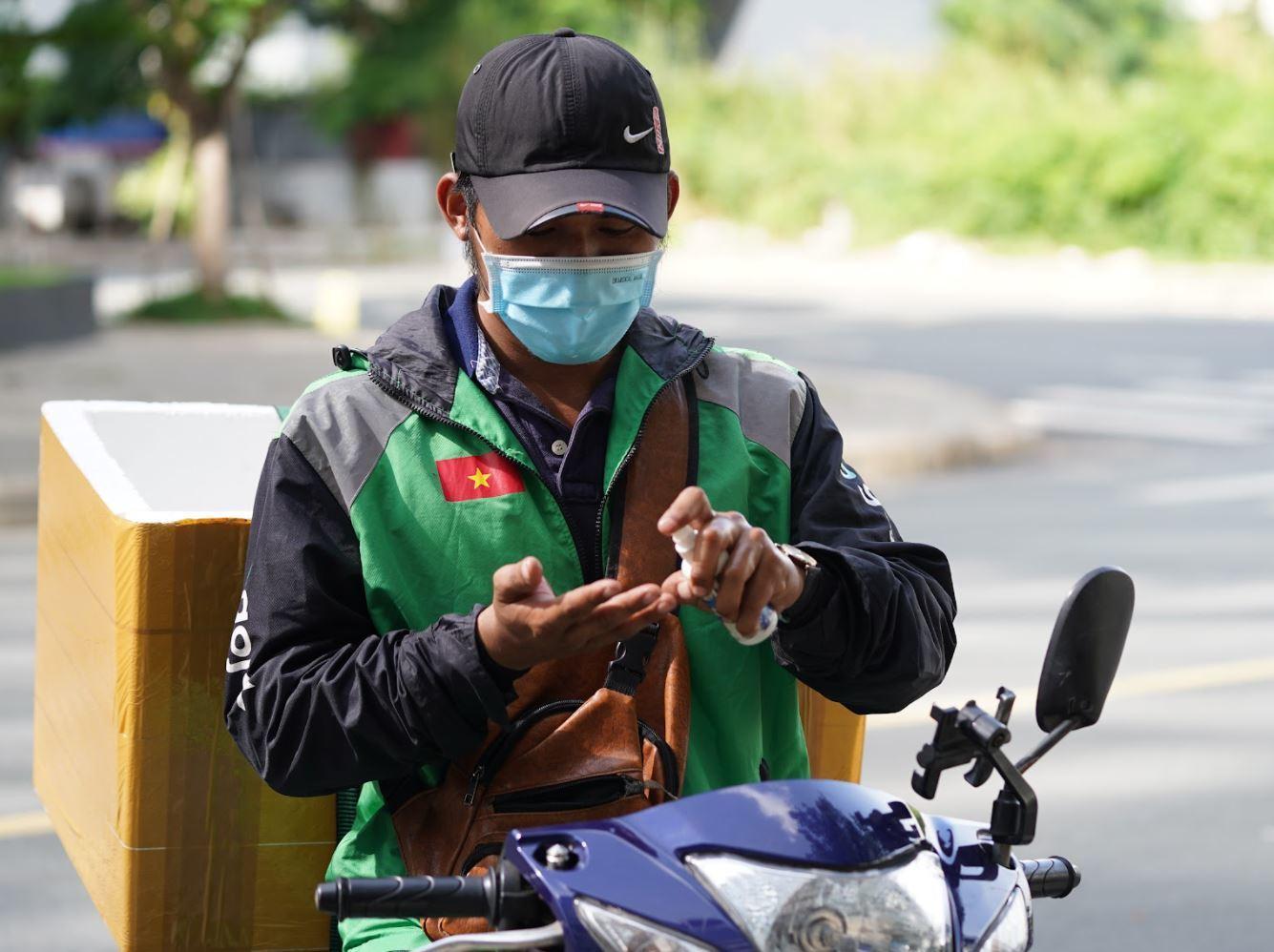 Hà Nội cho phép shipper công nghệ hoạt động từ 9h - 22h hàng ngày