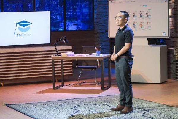 """Bị chê """"non và xanh"""", startup """"Uber cho gia sư"""" từ chối Shark Bình, nhận đầu tư từ Shark Linh"""