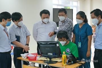 """Thứ trưởng Nguyễn Huy Dũng: """"Có thể nhân rộng mô hình tổng đài dã chiến cấp cứu 115"""""""