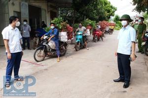 Bắc Giang: Mỗi nhà xưởng, tiệm tạp hoá, xe buýt… là một điểm khai báo y tế