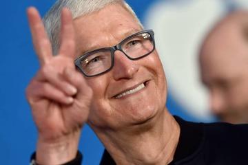 CEO Apple nhận 750 triệu USD cổ phiếu