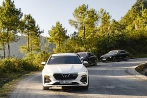 Ở nhà mua xe online, khách hàng của VinFast được miễn phí 3 năm bảo dưỡng