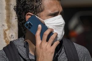 Apple sửa miễn phí iPhone 12 lỗi âm thanh