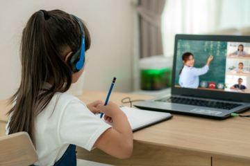 Bé 10 tuổi tử vong khi học online: Các thiết bị giúp trẻ an toàn khi dùng điện