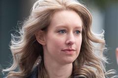 Đời thăng trầm của 'siêu lừa' xứ Silicon - Elizabeth Holmes