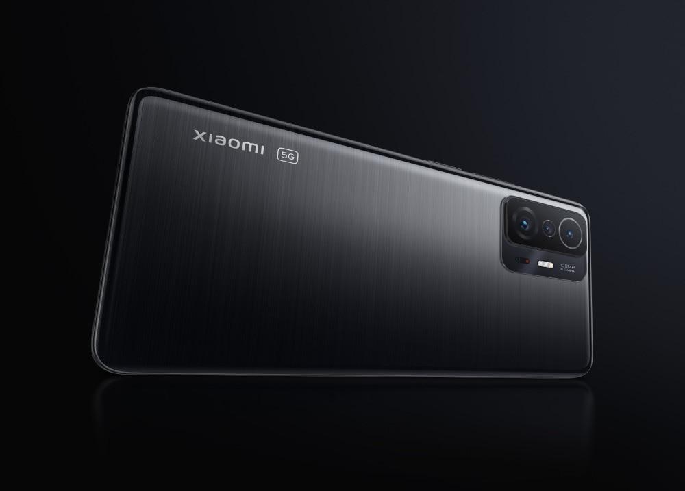 Xiaomi ra mắt smartphone sạc đầy pin 5.000mAh trong 17 phút