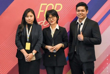 Students develop e-portal to bring VN agricultural products to the world