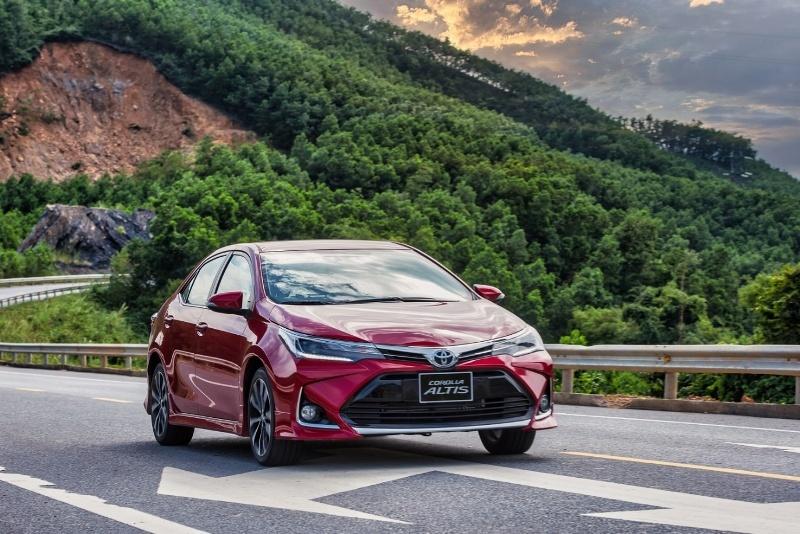 Toyota tung gói ưu đãi bán hàng và dịch vụ, tri ân khách hàng trong tháng 10
