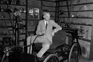 Nhà sáng lập hãng Ford có ý tưởng về Bitcoin từ 100 năm trước