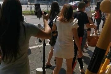 Trào lưu 'livestream đôi' gây phản cảm ở Trung Quốc