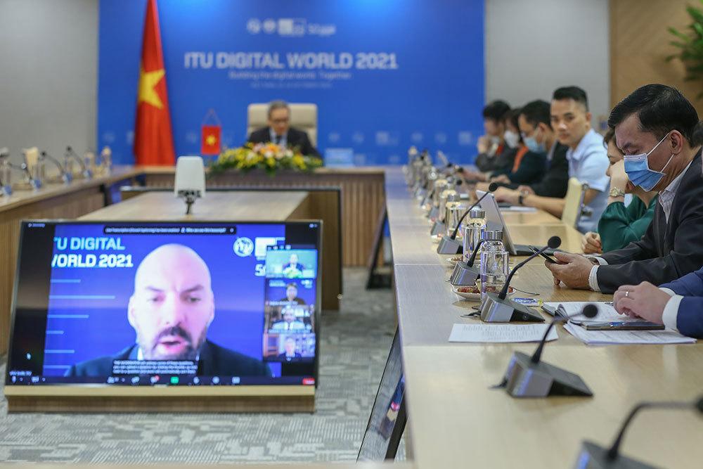 Hội nghị bàn tròn ITU 2021: Động lực chuyển đổi số từ khu vực công